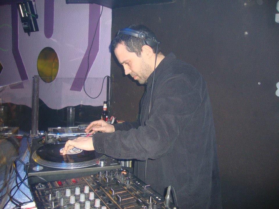 dj on vinyl is more of a craftsmanship